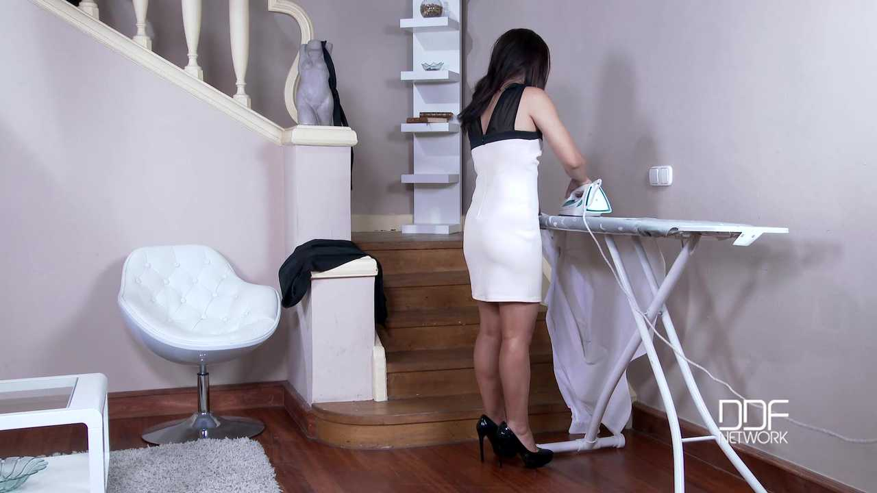 Kinky Housewife - Asian New Face Sucks Husband's Cock