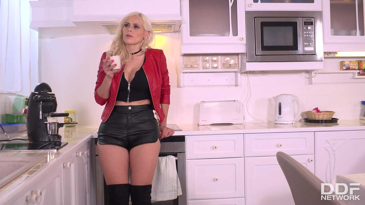 Booty Shorts & Early Mornings: Hot Dominatrix Plays With Cum